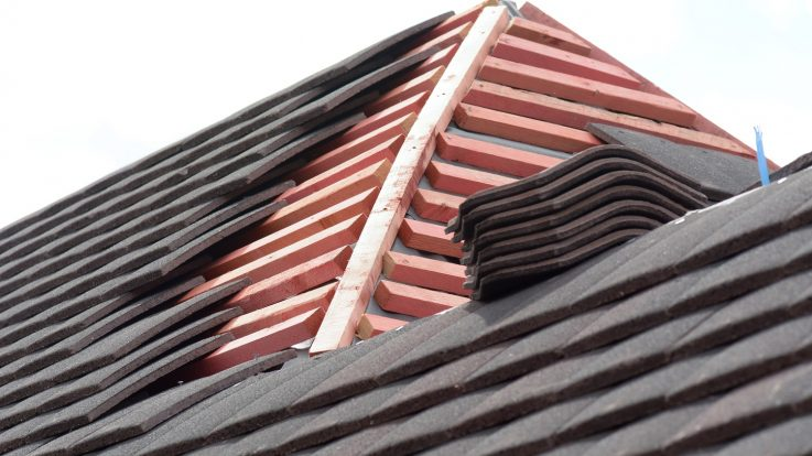 How Do I Know if I Need Roof Replacement?