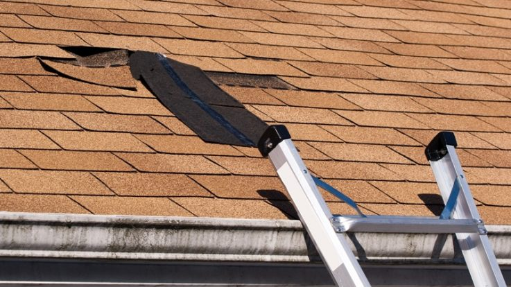 5 Dangers of Avoiding Fixing a Leaking Roof